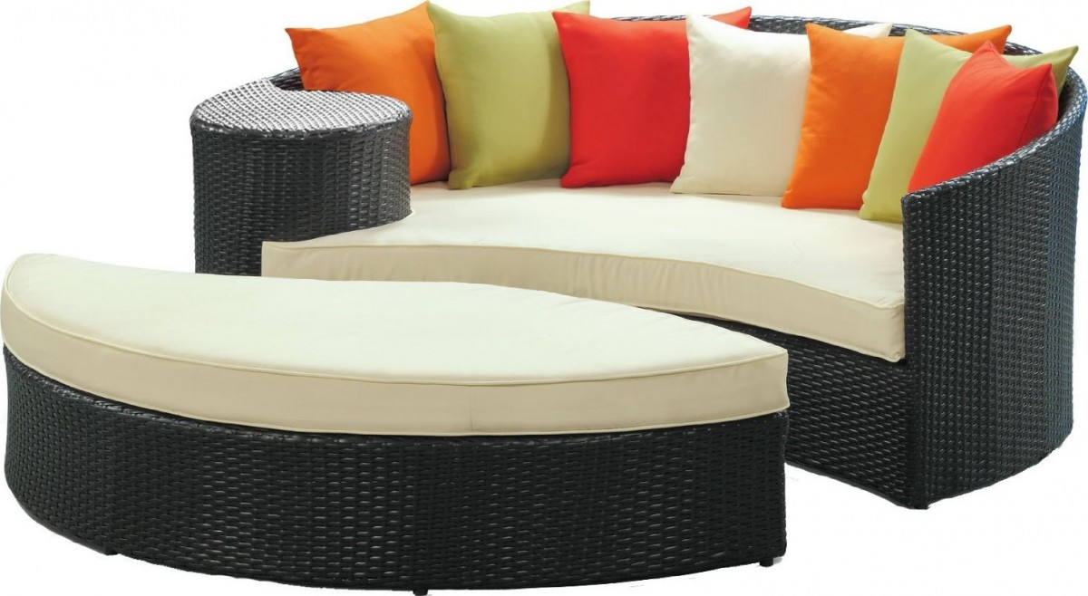 LexMod Taiji Round Wicker Outdoor Daybed with Ottoman