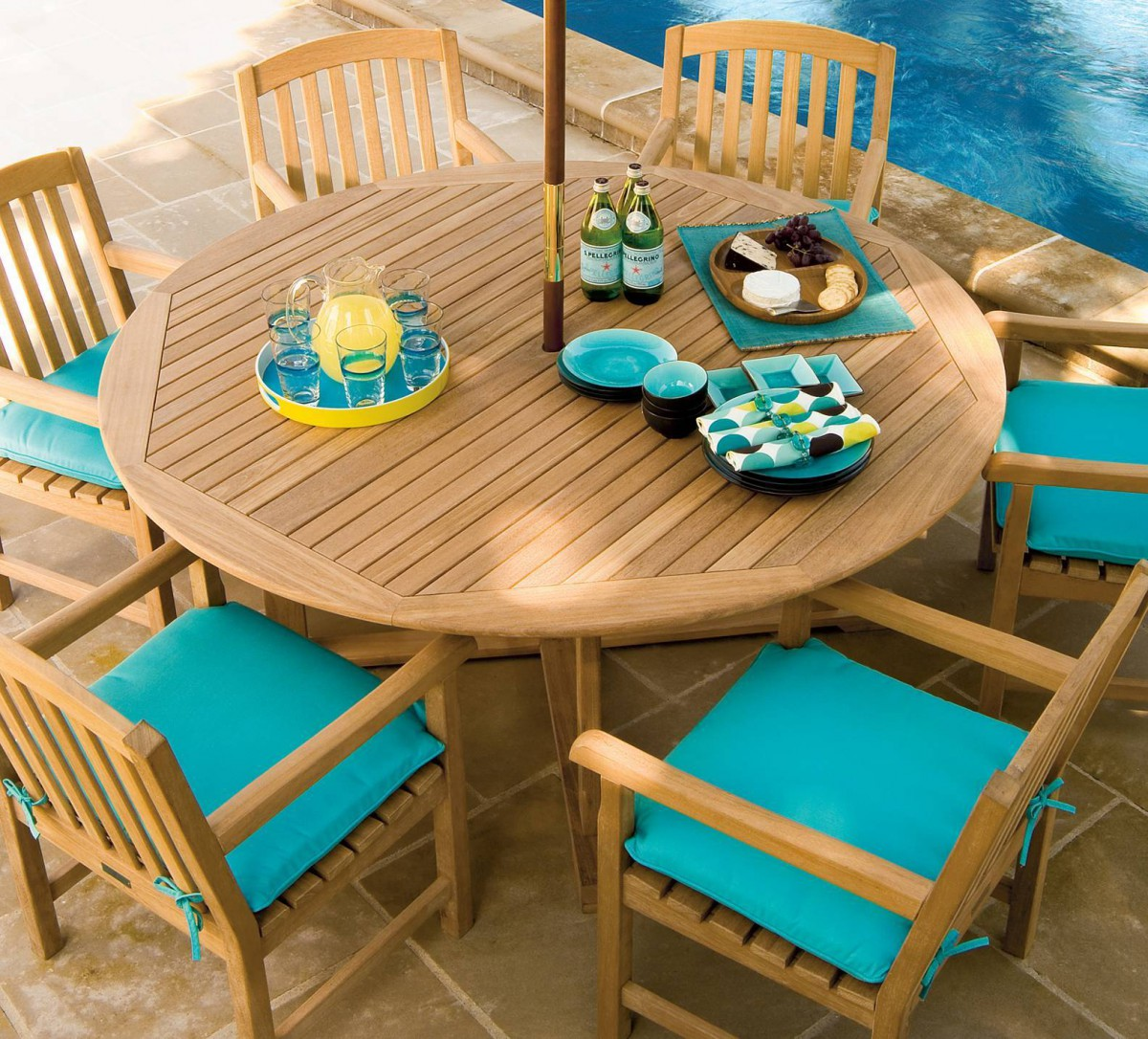 Oxford Garden Round Shorea Outdoor Teak Wood Dining Table