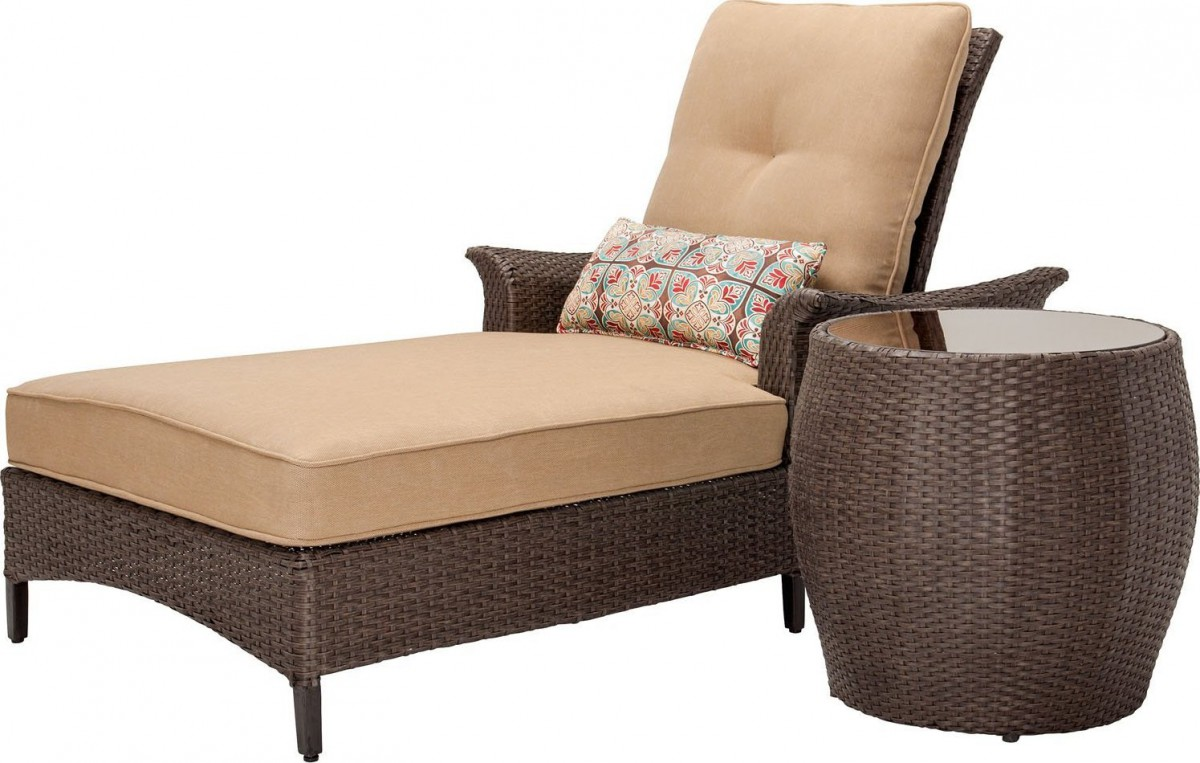 Hanover gramercy outdoor chaise lounge chair and table set for Chaise lounge couch set