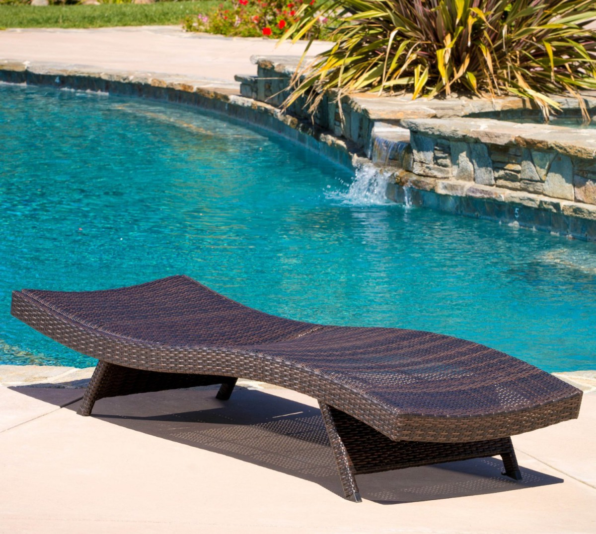 Folding outdoor lounge chair - Lakeport Folding Wicker Outdoor Chaise Lounge Chair