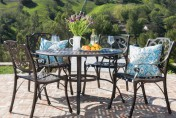 Calandra Cast Aluminum 5 Piece Outdoor Dining Set with 48″ Round Table