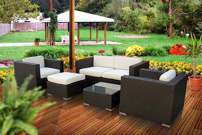 Malibu Collection 5 Piece Wicker Outdoor Sectional Sofa Set Patio Table